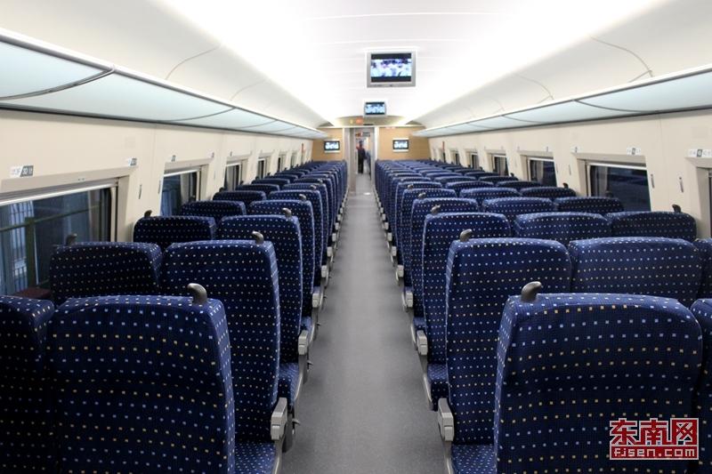 合福高铁即将开通 福建迎来首批时速380公里高速动车